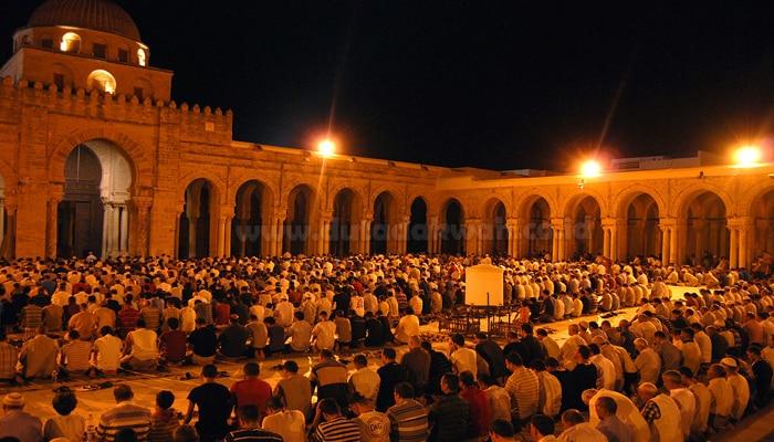 10 Amalan dan Ibadah Utama Di Bulan Ramadhan Yang Luar Biasa